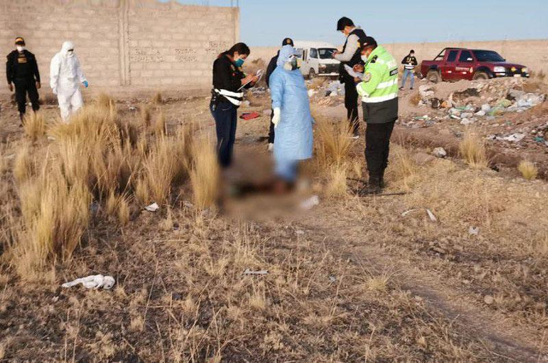 Puno: Hallan cuerpo descuartizado y quemado de una mujer en medio de un basural