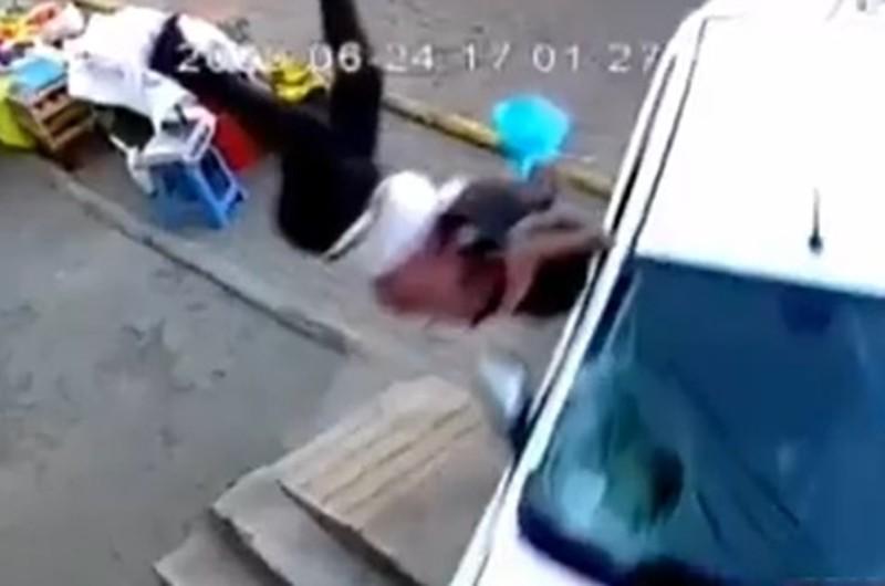 Arequipa: Brutal atropello de 3 personas fue captado por cámaras de seguridad