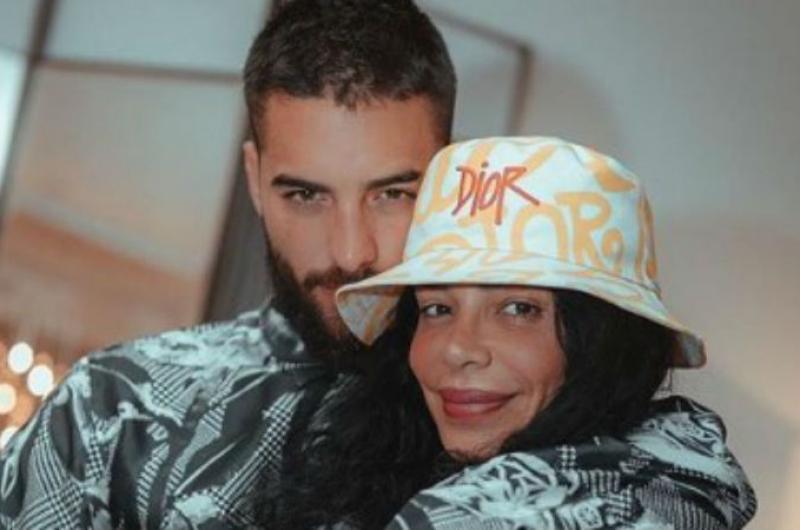 Maluma genera controversia por subir caliente fotografía junto a su tía