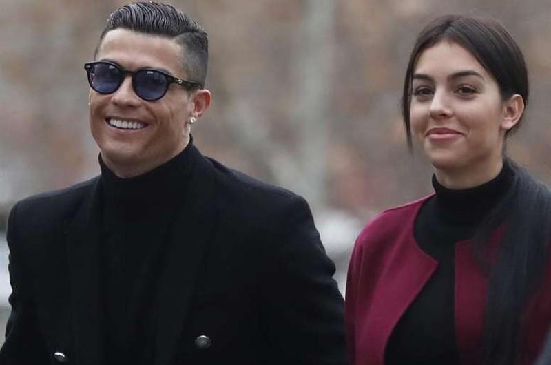 """""""La mujer más guapa de la Tierra"""": Cristiano Ronaldo más enamorado que nunca de su pareja"""