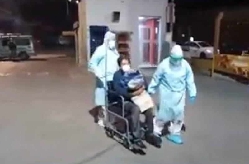 COVID-19 en Arequipa: Pacientes de carpas son trasladados tras la muerte de un contagiado