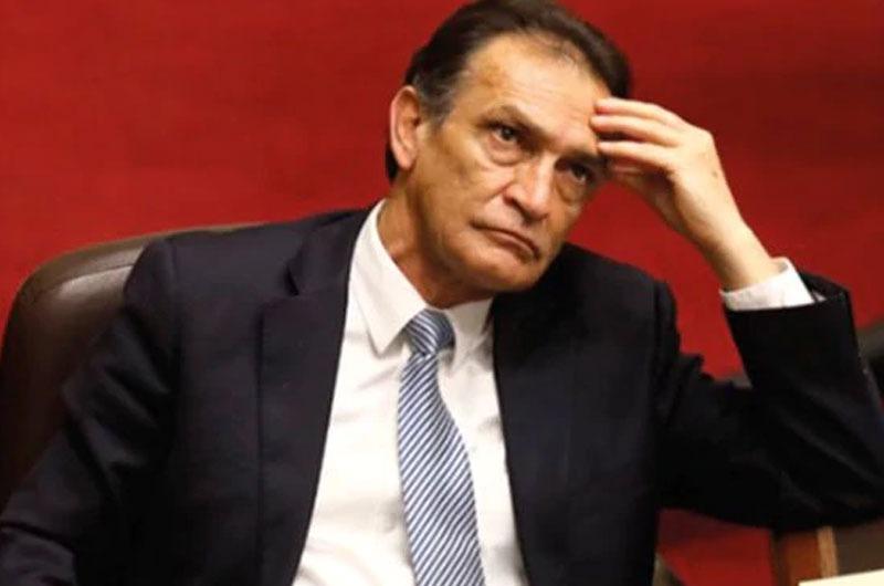 Poder Judicial: Dictan impedimento de salida del país a Héctor Becerril