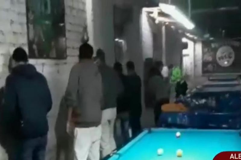 Cañete: Policía intervino a varios jóvenes que jugaban billar