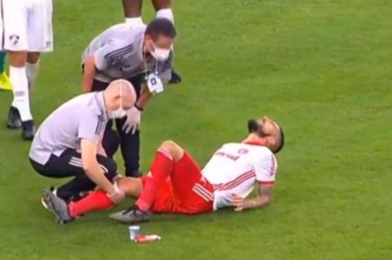 Paolo Guerrero recibe mensajes de apoyo tras sufrir grave lesión de rodilla