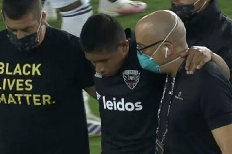 Edison Flores recibió fuerte impacto en la cabeza