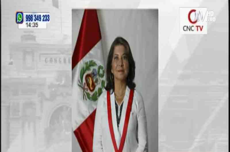 """Martha Chávez sobre Zeballos: """"Debió ir a Bolivia por sus rasgos andinos"""""""