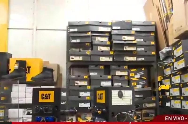 Delincuentes roban productos de galería valorizados en 40 mil soles