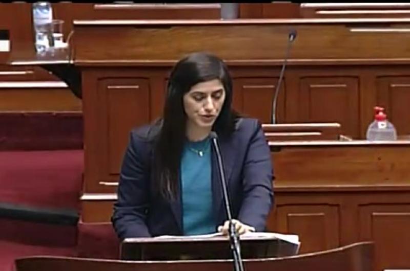 Ministra de Economía responde el pliego interpelatorio
