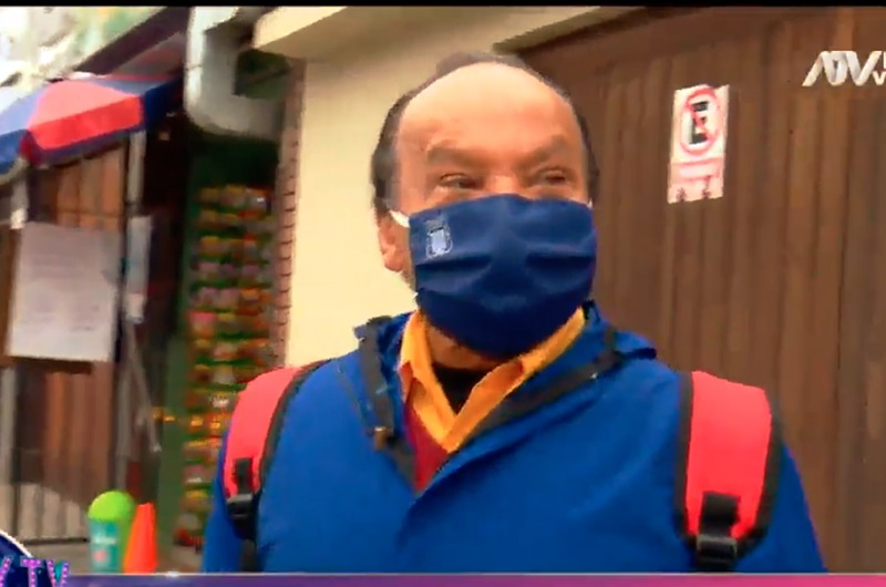 Melcochita se reinventa y ahora vende mamelucos y mochilas para delivery