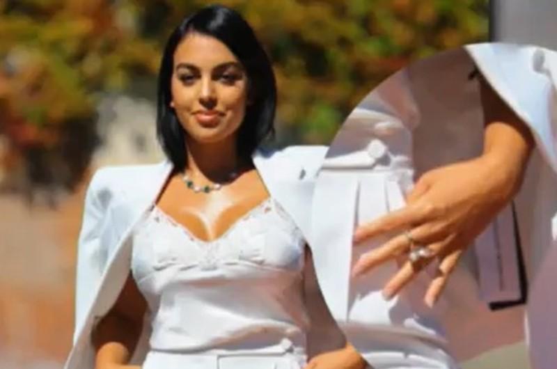 Georgina Rodríguez cautivó con su look en el festival de Venecia pero olvidó un 'ligero' detalle